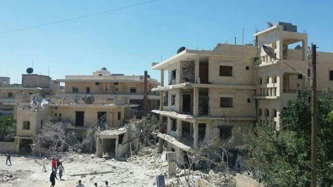 Maternity hospital in Idlib hit by bomb