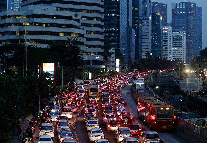 A general view of heavy traffic on a main road in Jakarta, Indonesia * PHOTO: EPA