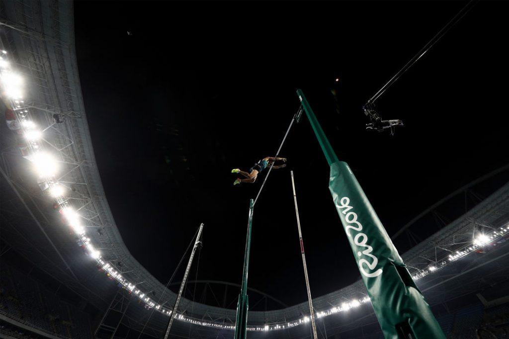 2016-08-15-Athletics-Pole-Vault-Men-inside-01