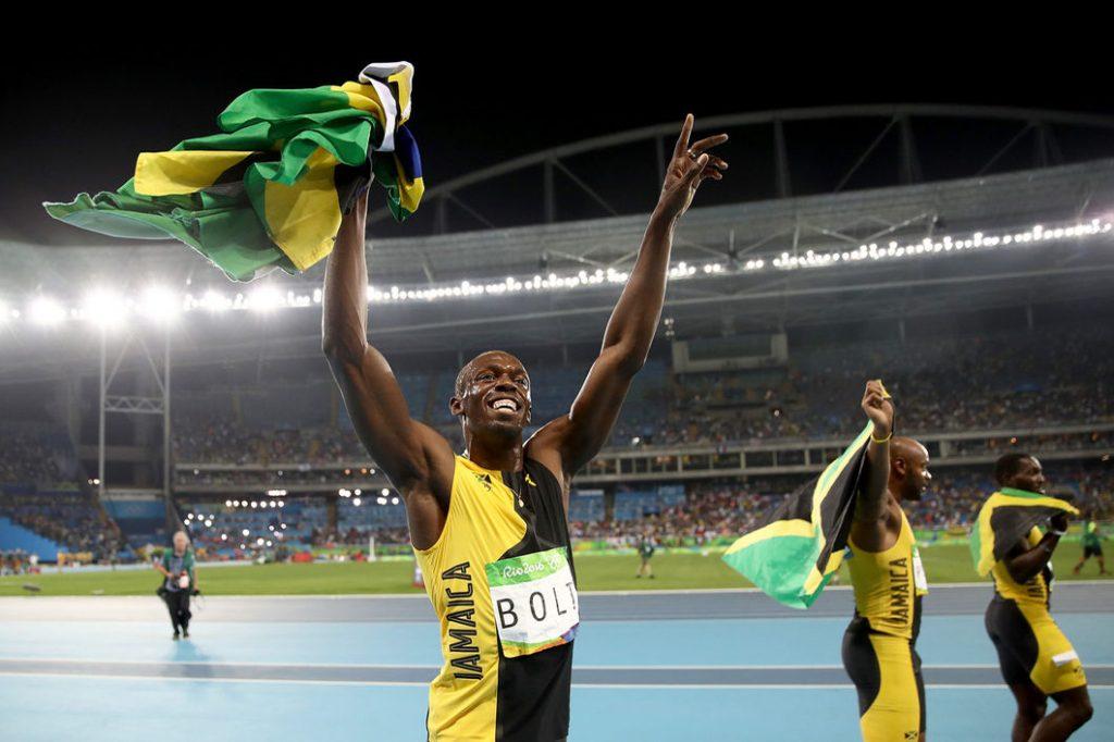 2016-08-19-Bolt-inside-04