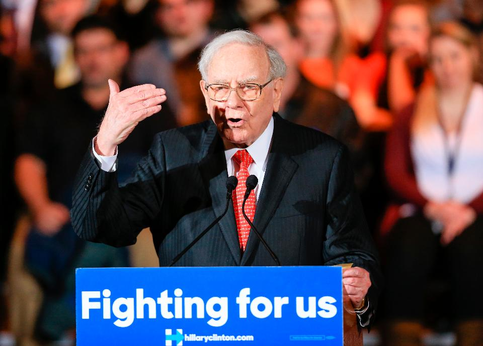 Billionaire investor Warren Buffett speaks at Democratic presidential candidate Hillary Clinton's Grassroots Organizing campaign Event in Omaha * PHOTO: FORBES