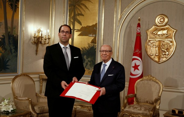 President Beji Caid Essebsi (R) and Prime Minister Youssef Chahed in Tunis 3 August 2016