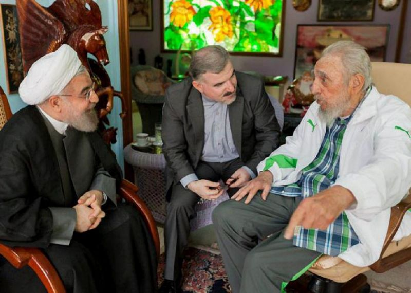 Iranian President Hasan Rohani meets former Cuban president Fidel Castro (R) at his house of Havana on September 19, 2016