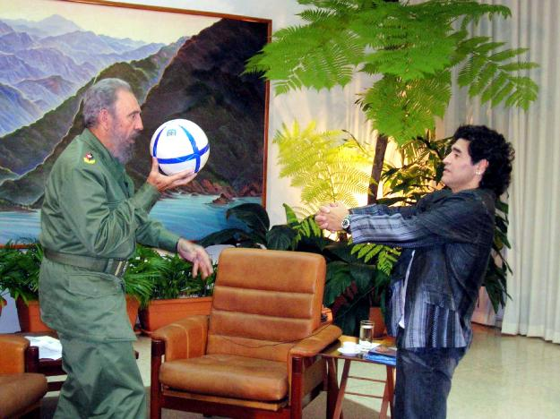 Cuban President Fidel Castro (L) and Argentine soccer legend Diego Maradona play with a ball during an interview in La Havana