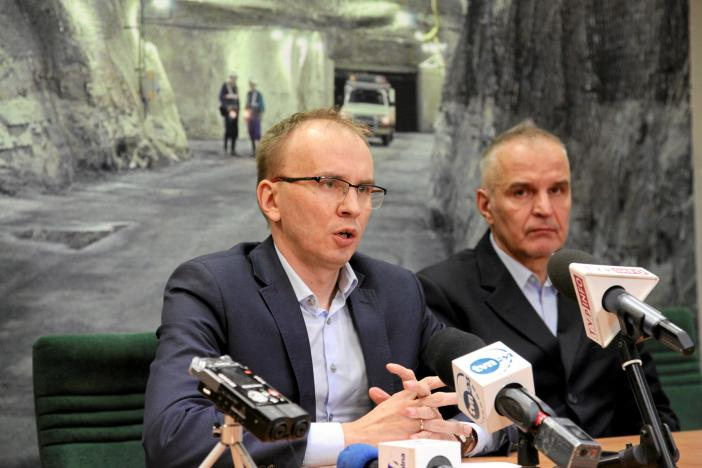 State-run copper producer KGHM chief Executive Radoslaw Domagalski-Labedzki (L) and vice-president of the board Piotr Walczak speak during news conference at the Rudna copper mine in Polkowice, Poland