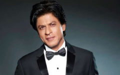 Shah Rukh Khan stands next to Amphan damaged Kolkata