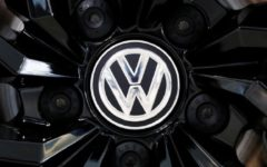 VW expects a slight growth in China's premium car segment