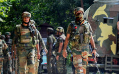 Six killed, including four Indian soldiers, in Kashmir