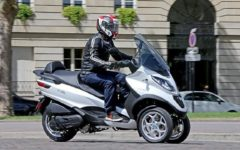 Piaggio signed a letter of intent with KTM, Honda and Yamaha to make swappable batteries for motorcycles and light electric vehicles